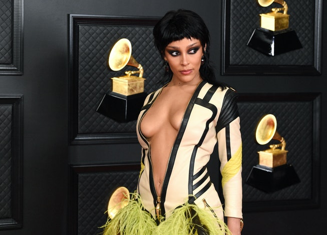LOS ANGELES, CALIFORNIA - MARCH 14: Doja Cat attends the 63rd Annual GRAMMY Awards at Los Angeles Convention Center on March 14, 2021 in Los Angeles, California. (Photo by Kevin Mazur/Getty Images for The Recording Academy )
