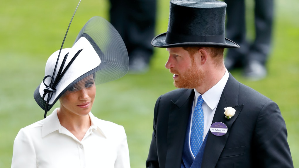 ASCOT, UNITED KINGDOM - JUNE 19: (EMBARGOED FOR PUBLICATION IN UK NEWSPAPERS UNTIL 24 HOURS AFTER CREATE DATE AND TIME) Meghan, Duchess of Sussex and Prince Harry, Duke of Sussex attend day 1 of Royal Ascot at Ascot Racecourse on June 19, 2018 in Ascot, England. (Photo by Max Mumby/Indigo/Getty Images)