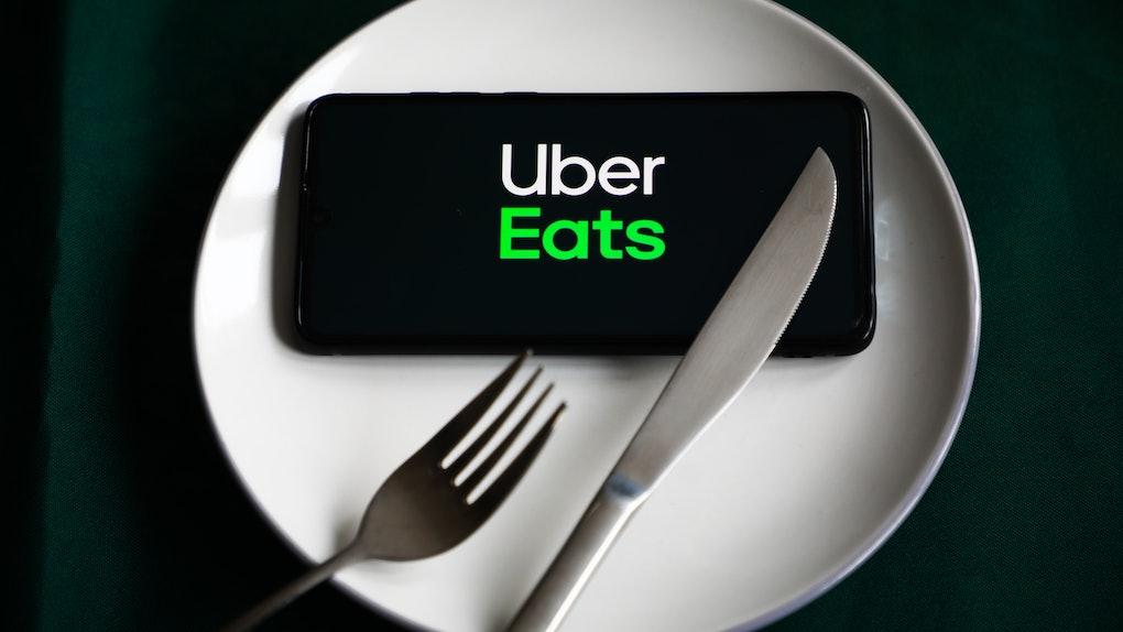 Uber Eats' March Madness 2021 BOGO deals feature discounts from national chains and local dives.