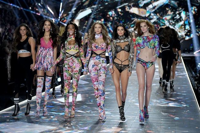 NEW YORK, NY - NOVEMBER 08:  (L-R) Barbara Palvin, Yasmin Wijnaldum, Winnie Harlow, Gigi Hadid, Kendall Jenner and Alexina Graham walk the runway during the 2018 Victoria's Secret Fashion Show at Pier 94 on November 8, 2018 in New York City.  (Photo by Axelle/Bauer-Griffin/FilmMagic)