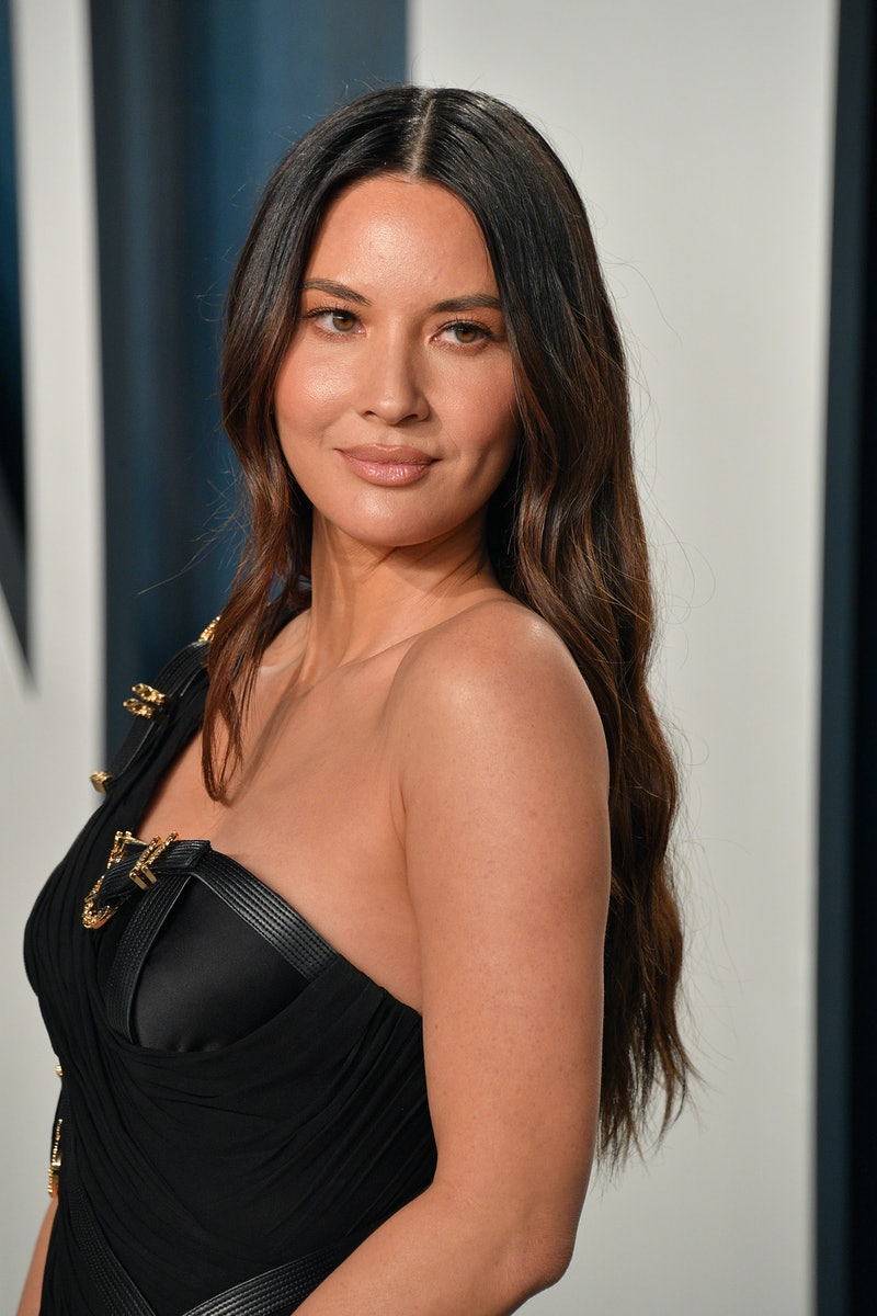 BEVERLY HILLS, CALIFORNIA - FEBRUARY 09: Olivia Munn attends the 2020 Vanity Fair Oscar party hosted by Radhika Jones at Wallis Annenberg Center for the Performing Arts on February 09, 2020 in Beverly Hills, California. (Photo by George Pimentel/Getty Images)