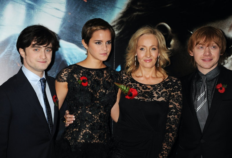 LONDON, ENGLAND - NOVEMBER 11:  (EMBARGOED FOR PUBLICATION IN UK TABLOID NEWSPAPERS UNTIL 48 HOURS AFTER CREATE DATE AND TIME. MANDATORY CREDIT PHOTO BY DAVE M. BENETT/GETTY IMAGES REQUIRED)  Actors Daniel Radcliffe, Emma Watson, author J.K. Rowling and actor Rupert Grint attend the World Premiere of Harry Potter And The Deathly Hallows: Part 1 at Odeon Leicester Square  on November 11, 2010 in London, England.  (Photo by Dave M. Benett/Getty Images)