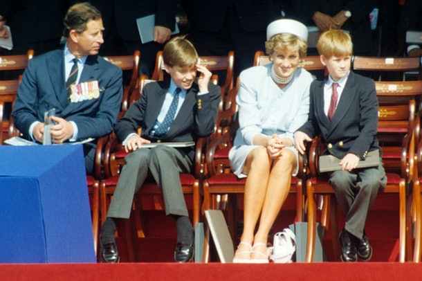 LONDON, UNITED KINGDOM - MAY 07:  Prince Charles, Prince of Wales, Prince William, Princess Diana and Prince Harry attend a ceremony in Hyde Park to mark the 50th anniversary of VE Day on May 7, 1995 in London, England. (Photo by Anwar Hussein/Getty Images)