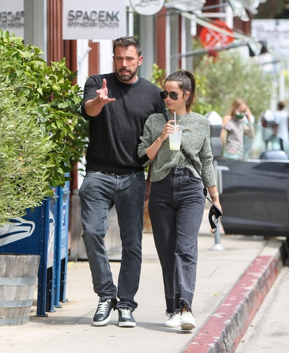 LOS ANGELES, CA - JUNE 20: Ana de Armas and Ben Affleck are seen on June 20, 2020 in Los Angeles, California.  (Photo by BG004/Bauer-Griffin/GC Images)