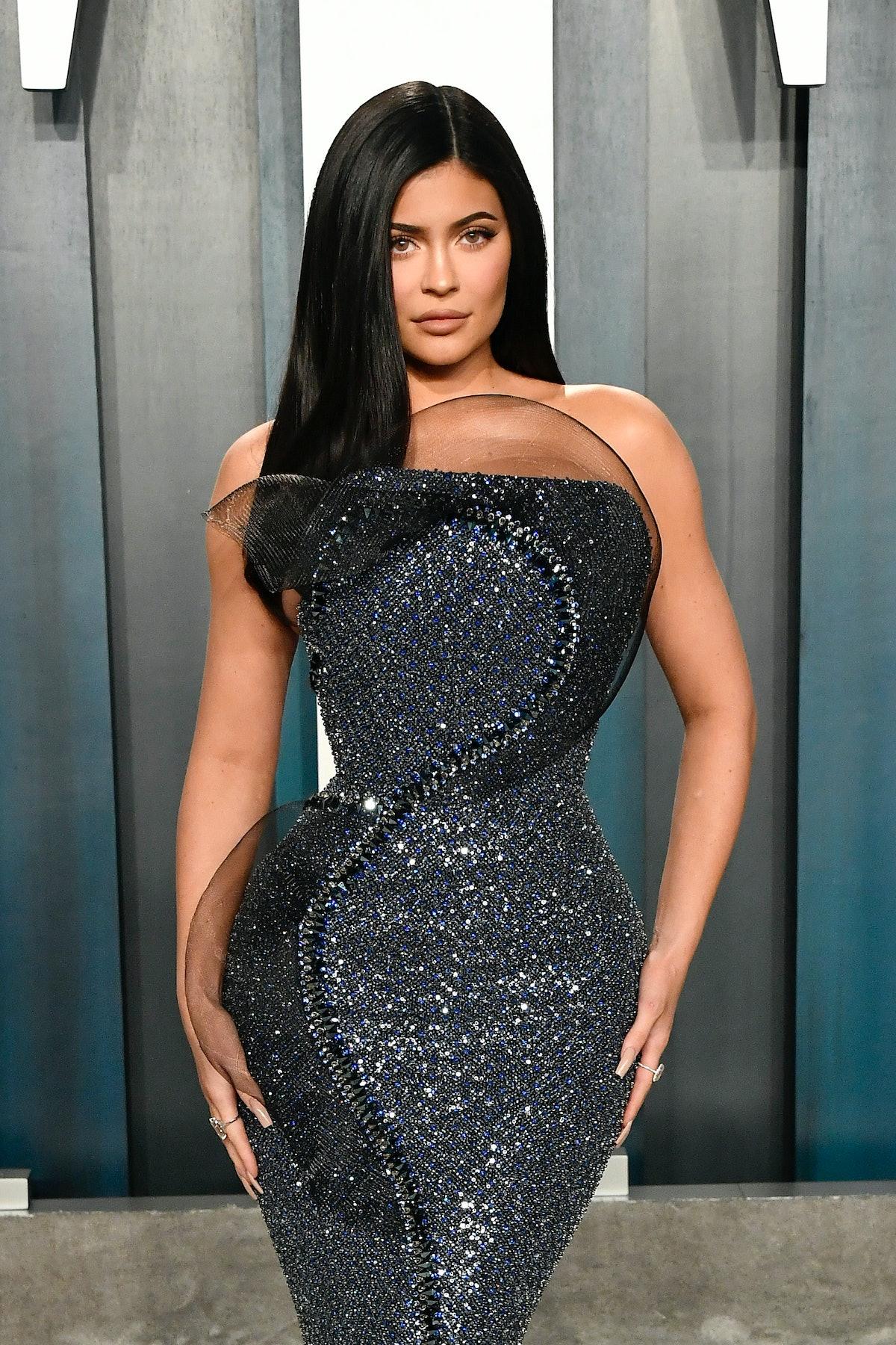 BEVERLY HILLS, CALIFORNIA - FEBRUARY 09: Kylie Jenner attends the 2020 Vanity Fair Oscar Party hoste...