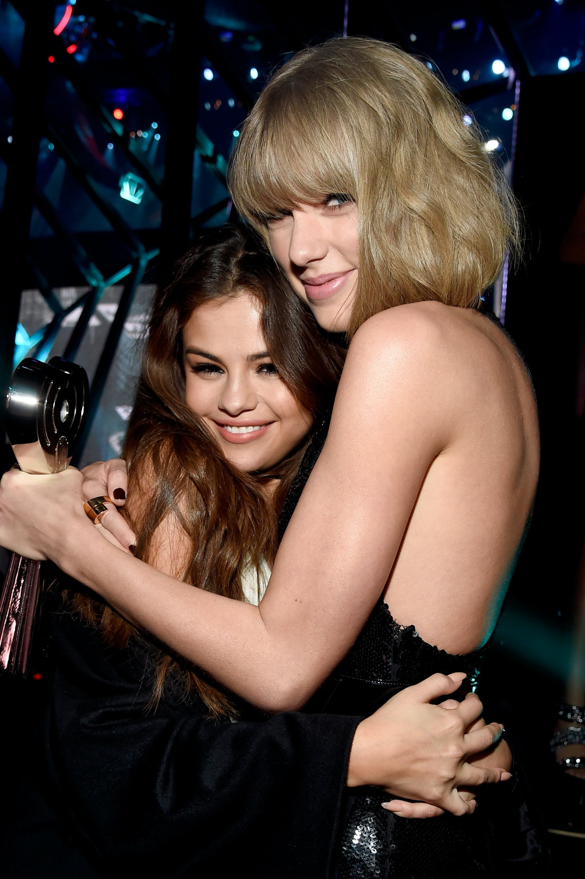 INGLEWOOD, CALIFORNIA - APRIL 03:  Recording artists Selena Gomez and Taylor Swift backstage at the iHeartRadio Music Awards which broadcasted live on TBS, TNT, AND TRUTV from The Forum on April 3, 2016 in Inglewood, California.  (Photo by Kevin Mazur/Getty Images for iHeartRadio / Turner)