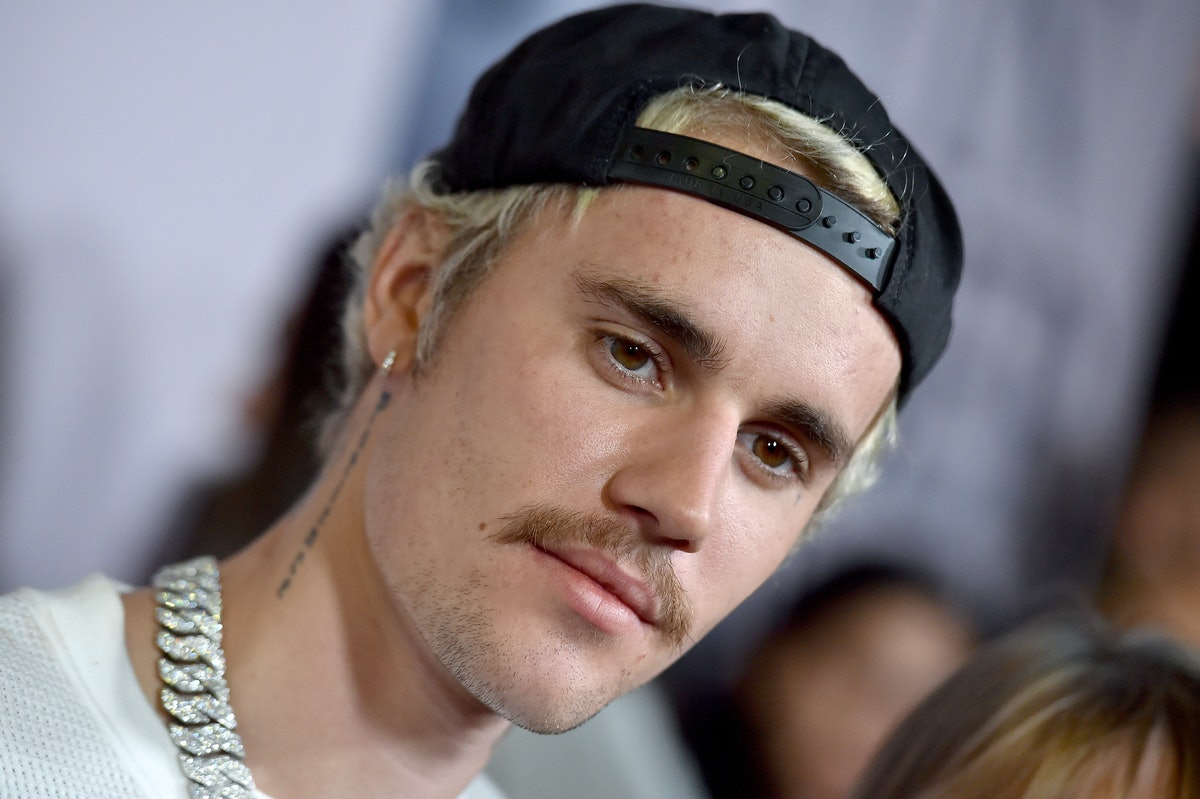 """LOS ANGELES, CALIFORNIA - JANUARY 27: Justin Bieber attends the Premiere of YouTube Original's """"Just..."""