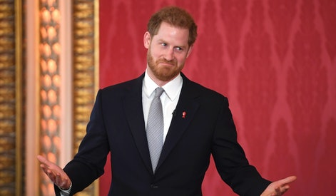 LONDON, ENGLAND - JANUARY 16: Prince Harry, Duke of Sussex, the Patron of the Rugby Football League hosts the Rugby League World Cup 2021 draws at Buckingham Palace on January 16, 2020 in London, England. The Rugby League World Cup 2021 will take place from October 23rd through to November 27th, 2021 in 17 cities across England. (Photo by Jeremy Selwyn - WPA Pool/Getty Images)