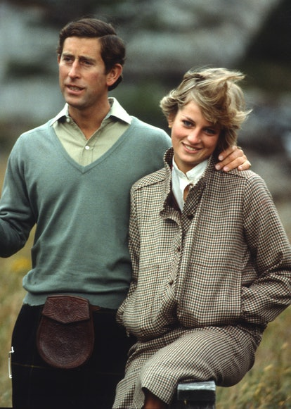 BALMORAL, UNITED KINGDOM - AUGUST 19:  Prince Charles, Prince of Wales and Diana, Princess of Wales, wearing a suit designed by Bill Pashley, pose for a photo on the banks of the river Dee in the grounds of Balmoral Castle during their honeymoon on August 19, 1981 in Balmoral, Scotland. (Photo by Anwar Hussein/Getty Images)