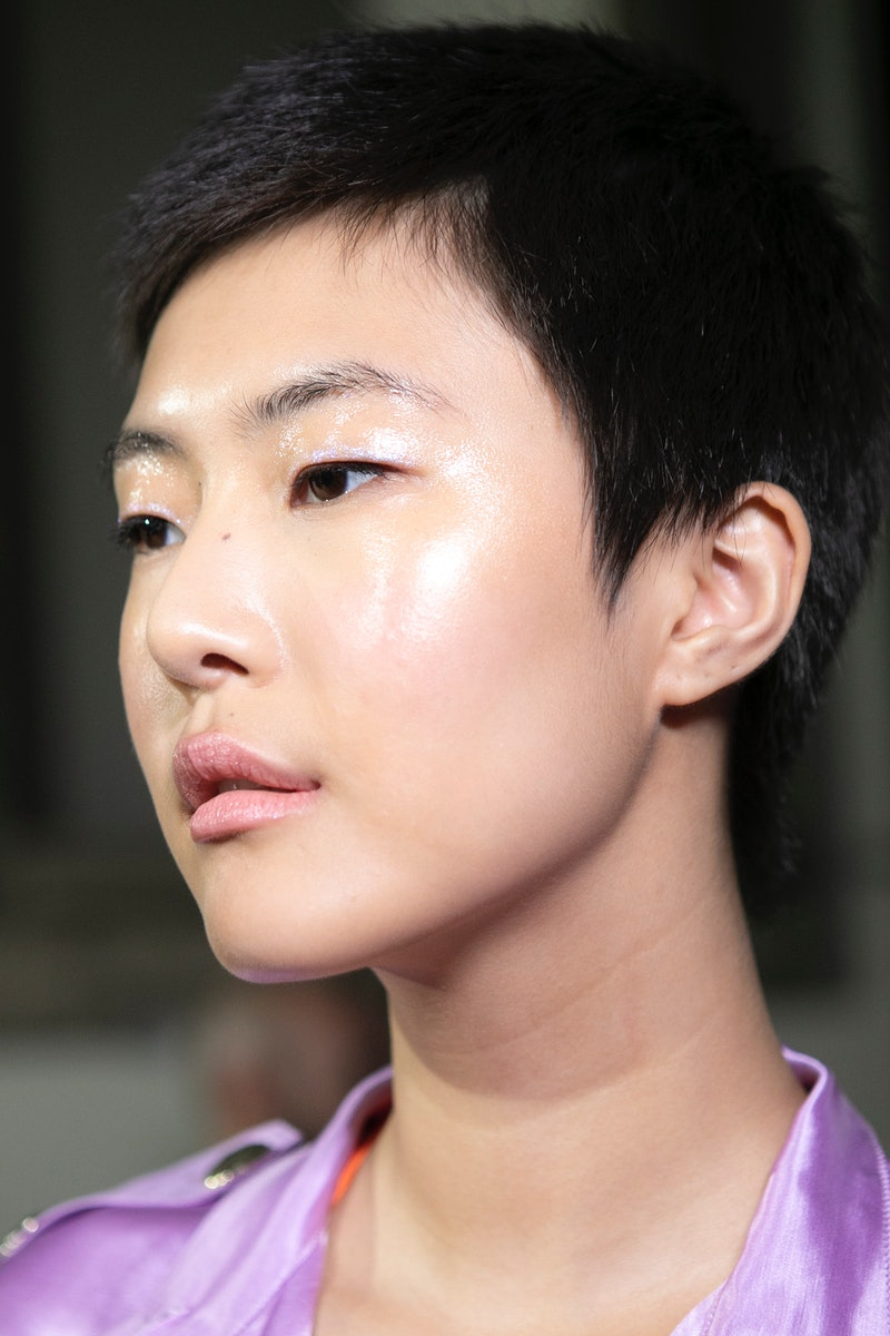 MILAN, ITALY - SEPTEMBER 21:  Model Sohyun Jung is seen backstage ahead of the Blumarine show during Milan Fashion Week Spring/Summer 2019 on September 21, 2018 in Milan, Italy.  (Photo by Rosdiana Ciaravolo/Getty Images)