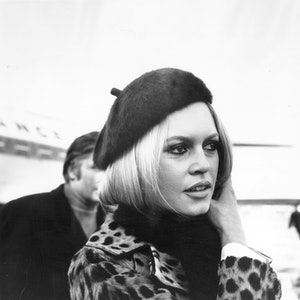 28th November 1967:  French Film Actress, pop singer, and sex-symbol Brigitte Bardot arrives at London's Heathrow Airport.  (Photo by Stroud/Express/Getty Images)