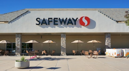Safeway will be open on Easter Sunday