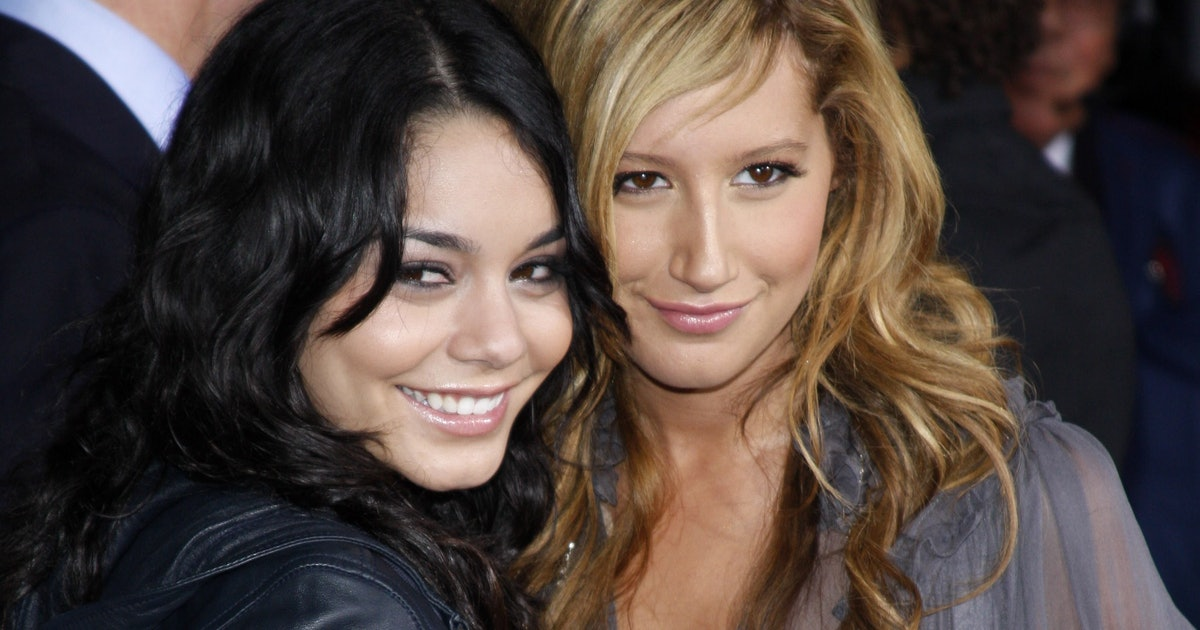 Vanessa & Ashley's Instagram Reunion Will Fill You With 'HSM' Nostalgia