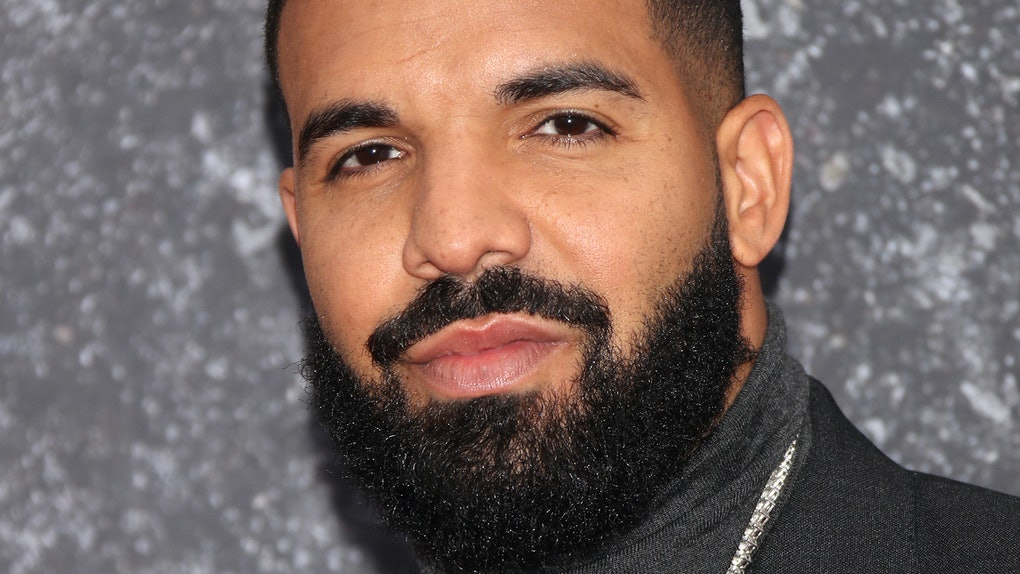 Drake hits the red carpet.