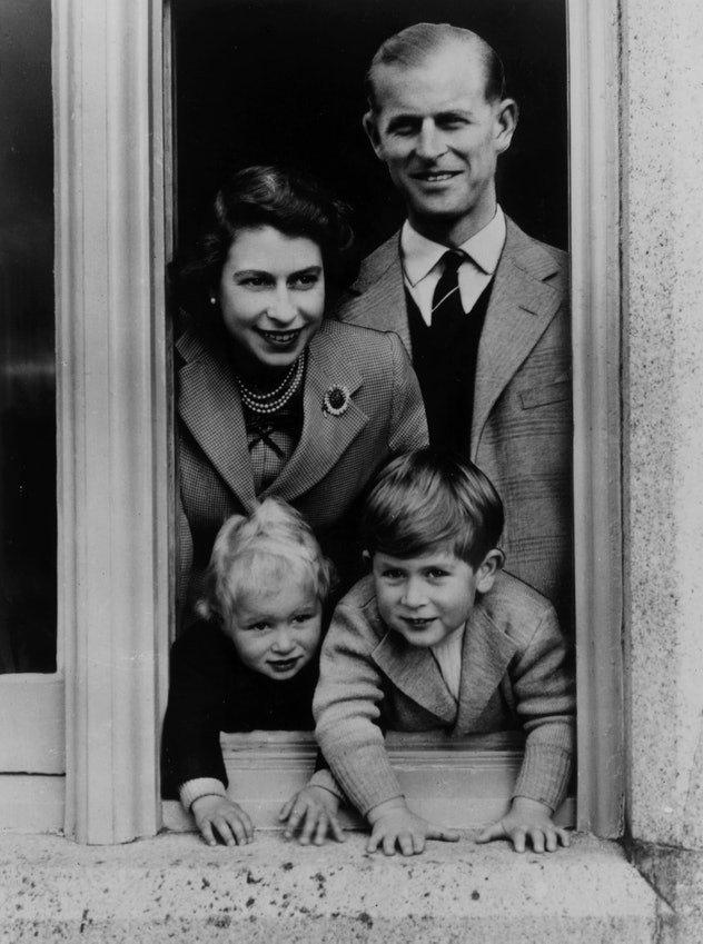 Prince Philip with wife and kids, 1952.