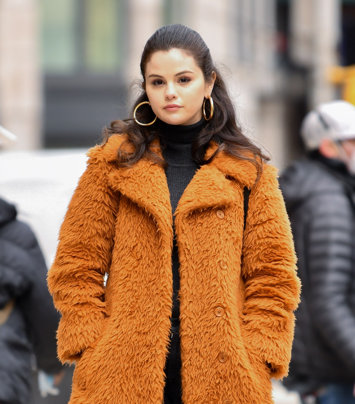 NEW YORK, NY - FEBRUARY 24:  Selena Gomez seen on the set of 'Only Murders in the Building' in Manhattan on February 24, 2021 in New York City.  (Photo by James Devaney/GC Images)