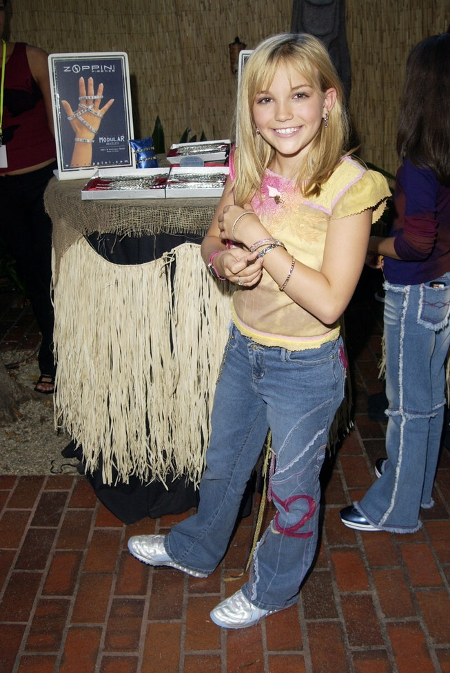 Jamie Lynn Spears with a Zoppini bracelet during The 2002 Teen Choice Awards - Backstage Creations Talent Retreat - Day 2 at Universal Amphitheater in Universal City, California, United States. (Photo by J. Vespa/WireImage)