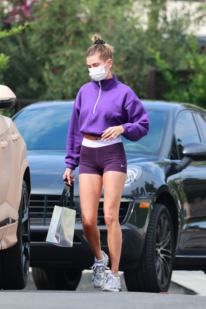 LOS ANGELES, CA - OCTOBER 6:  Hailey Bieber seen leaving the gym on October 6, 2020 in Los Angeles, California. (Photo by Rachpoot/MEGA/GC Images)