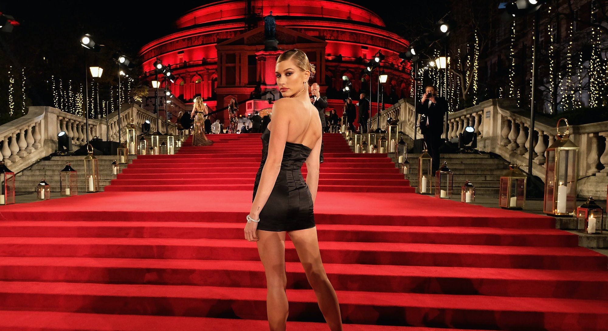 LONDON, ENGLAND - DECEMBER 04:  Hailey Baldwin attends The Fashion Awards 2017 in partnership with Swarovski at Royal Albert Hall on December 4, 2017 in London, England.  (Photo by Mike Marsland/BFC/Getty Images)