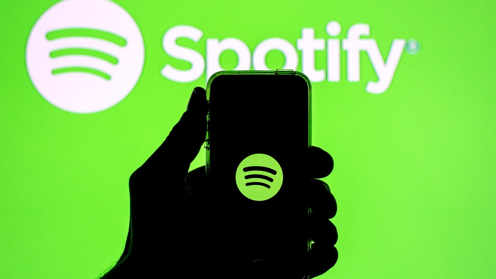 """It's so easy to use the """"Hey Spotify"""" voice command while using the app."""