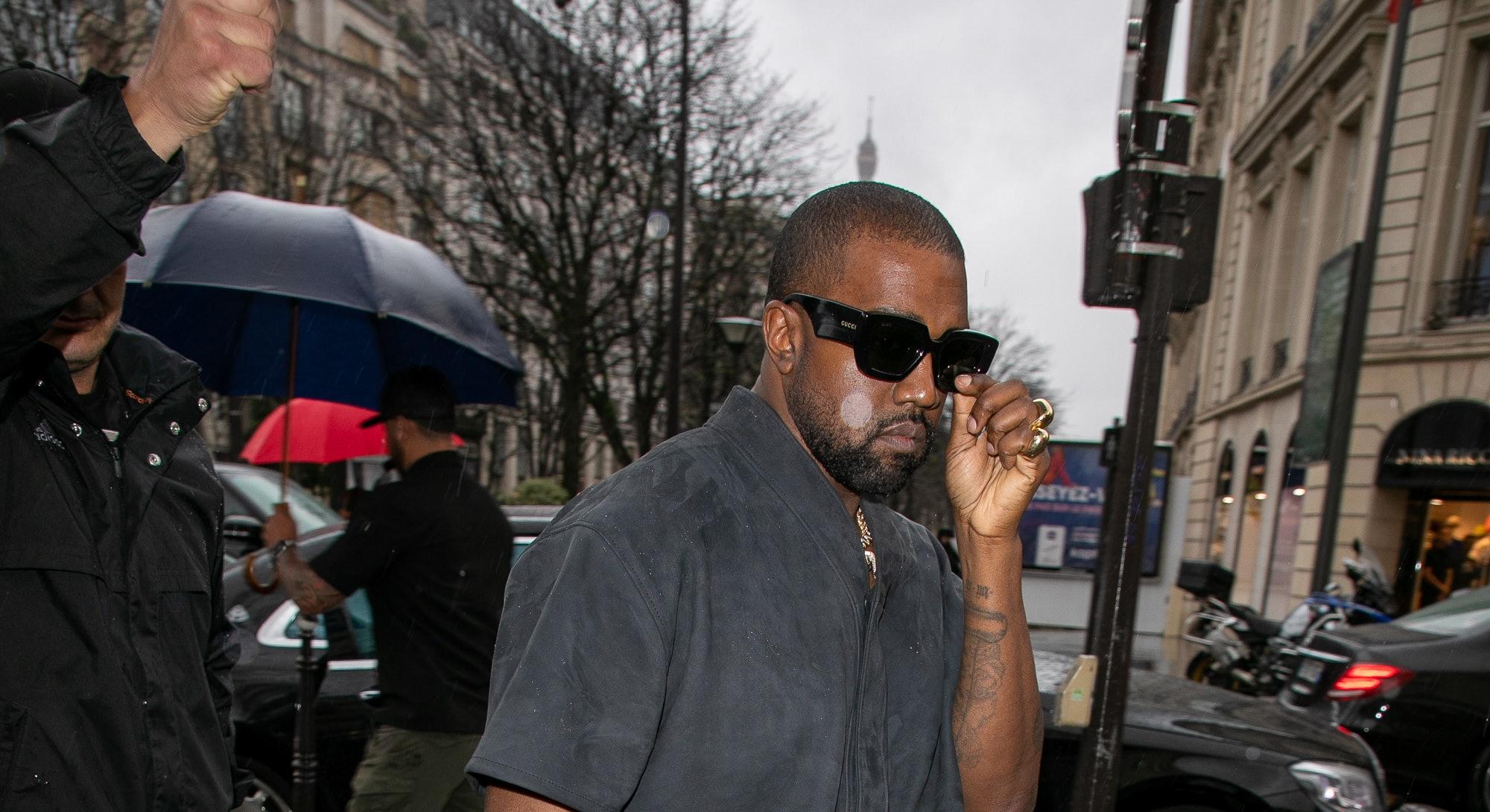 PARIS, FRANCE - MARCH 01: Kanye West arrives at L'Avenue restaurant on March 01, 2020 in Paris, France. (Photo by Marc Piasecki/GC Images)
