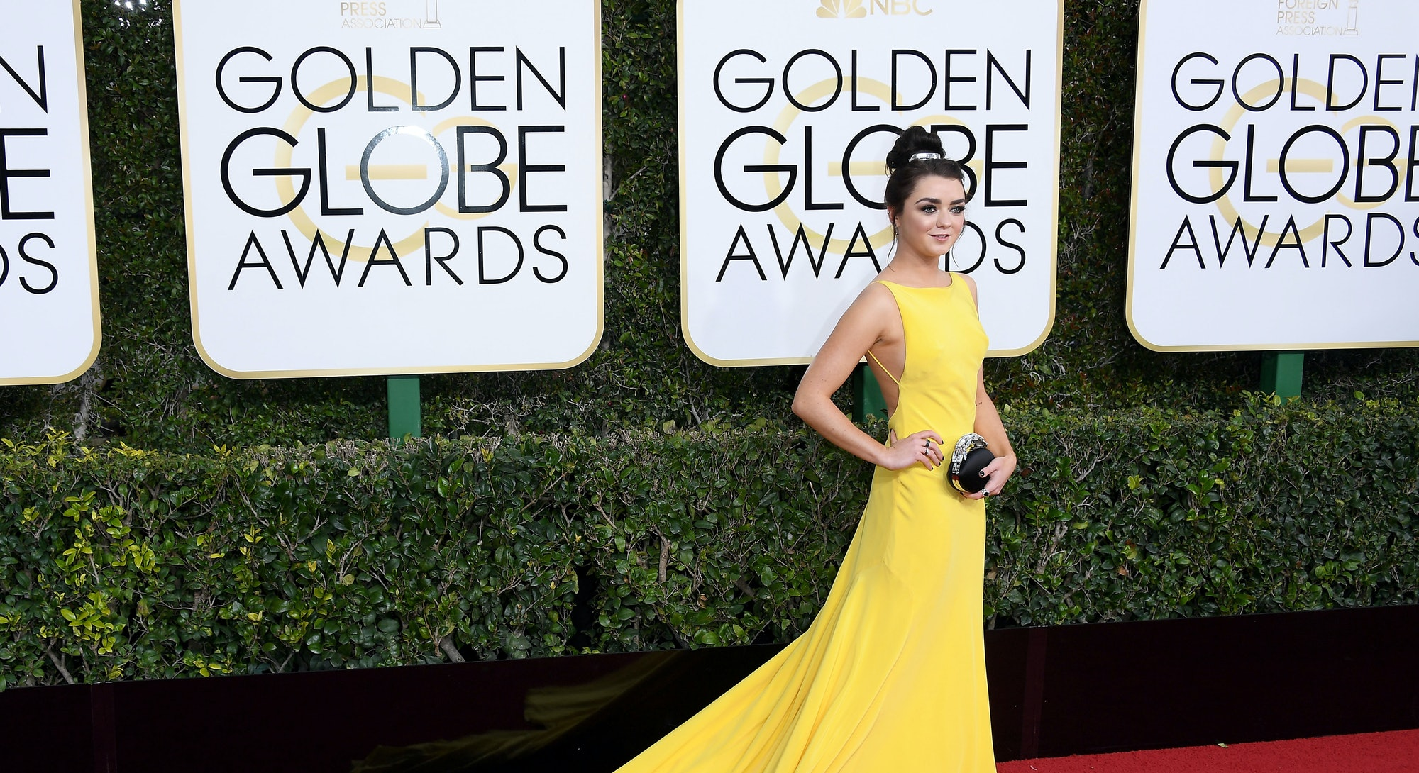 BEVERLY HILLS, CA - JANUARY 08:  Actress Maisie Williams attends the 74th Annual Golden Globe Awards...