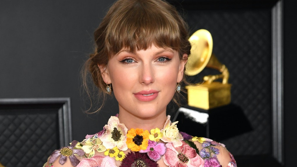 LOS ANGELES, CALIFORNIA - MARCH 14: Taylor Swift, winner of the Album of the Year award for 'Folklore,' poses in the media room during the 63rd Annual GRAMMY Awards at Los Angeles Convention Center on March 14, 2021 in Los Angeles, California. (Photo by Kevin Mazur/Getty Images for The Recording Academy )