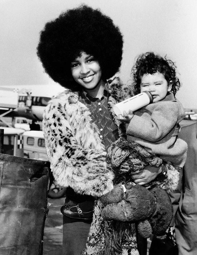 Picture released on March 16, 1972 in Rome of Marsha Hunt, US singer, novelist, actress and model, born in 1946 in Philadelphia, with her son Karis. Marsha Hunt will sell in Sotheby's auction her love letters from Mick Jagger on December 12, 2012.  Marsha Hunt and Mick Jagger shared a secret relationship in 1969 and in November 1970, Hunt gave birth to Jagger's first and her only child, Karis. (Photo by - / HO / AFP) (Photo by -/HO/AFP via Getty Images)