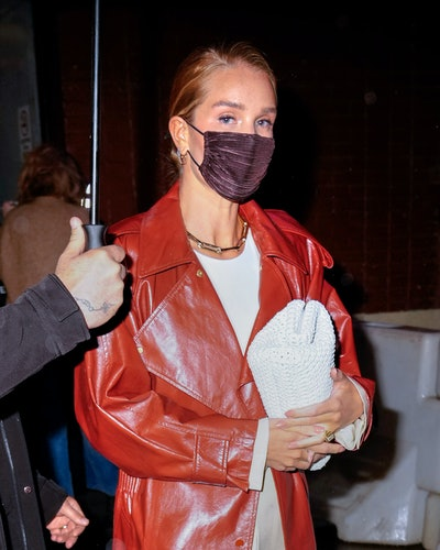 NEW YORK, NEW YORK - APRIL 13: Rosie Huntington-Whiteley go to dinner in the rain on April 13, 2021 in New York City. (Photo by Gotham/GC Images)