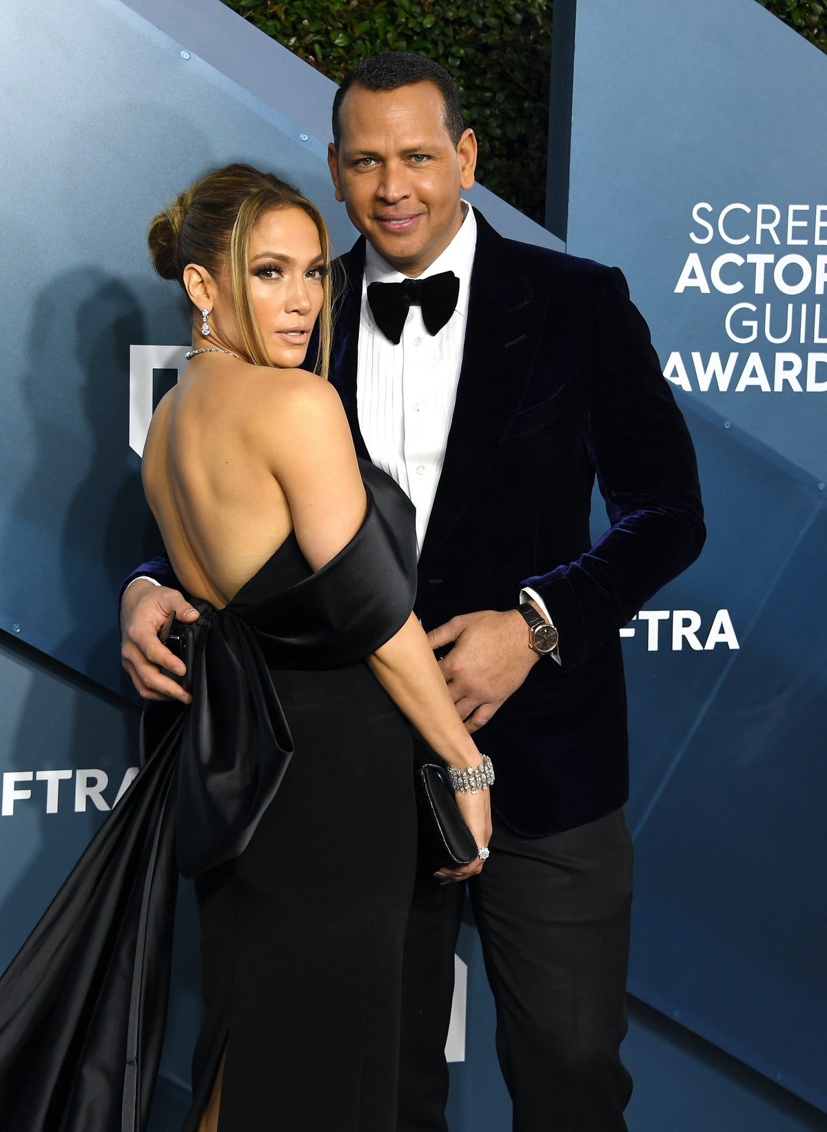 LOS ANGELES, CALIFORNIA - JANUARY 19: Jennifer Lopez and Alex Rodriguez arrives at the 26th Annual S...