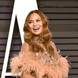 BEVERLY HILLS, CALIFORNIA - FEBRUARY 24: Chrissy Teigen attends the 2019 Vanity Fair Oscar Party at Wallis Annenberg Center for the Performing Arts on February 24, 2019 in Beverly Hills, California. (Photo by David Crotty/Patrick McMullan via Getty Images)