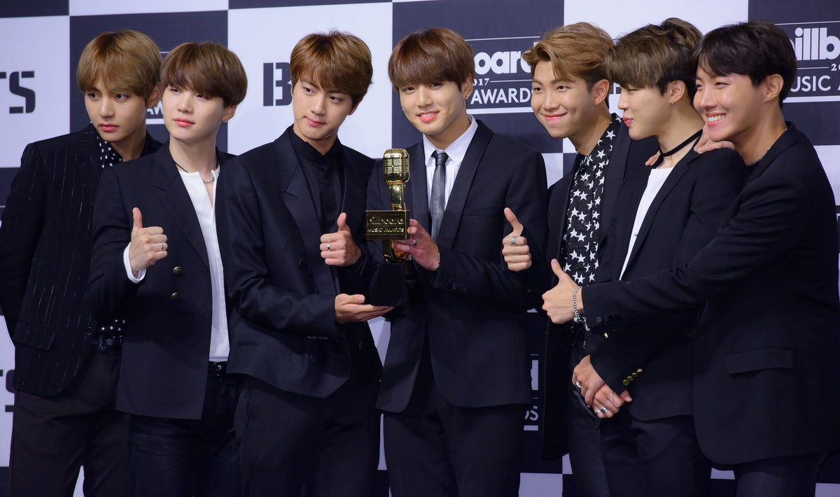 These tweets about BTS' 'Bang Bang Con 2021' are all feeling hype after the show.