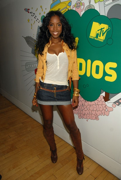 """Kelly Rowland during Kelly Rowland, Good Charlotte and Hilary Duff Visit MTV's """"TRL"""" - March 26, 2007 at MTV Studios in New York City, New York, United States. (Photo by Theo Wargo/WireImage)"""