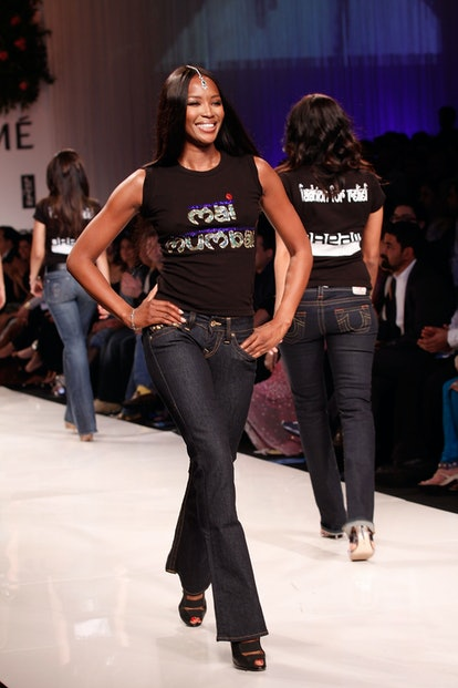 BOMBAY, INDIA - MARCH 28:  Supermodel Naomi Campbell walks the runway at the Mai Mumbai show at Lakme India Fashion Week Autumn/Winter 2009 at Grand Hyatt on March 28, 2009 in Bombay, India  (Photo by Chirag Wakaskar/WireImage)