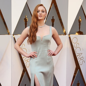 HOLLYWOOD, CA - FEBRUARY 28: Actress Sophie Turner attends the 88th Annual Academy Awards at Hollywood & Highland Center on February 28, 2016 in Hollywood, California. (Photo by Dan MacMedan/WireImage)