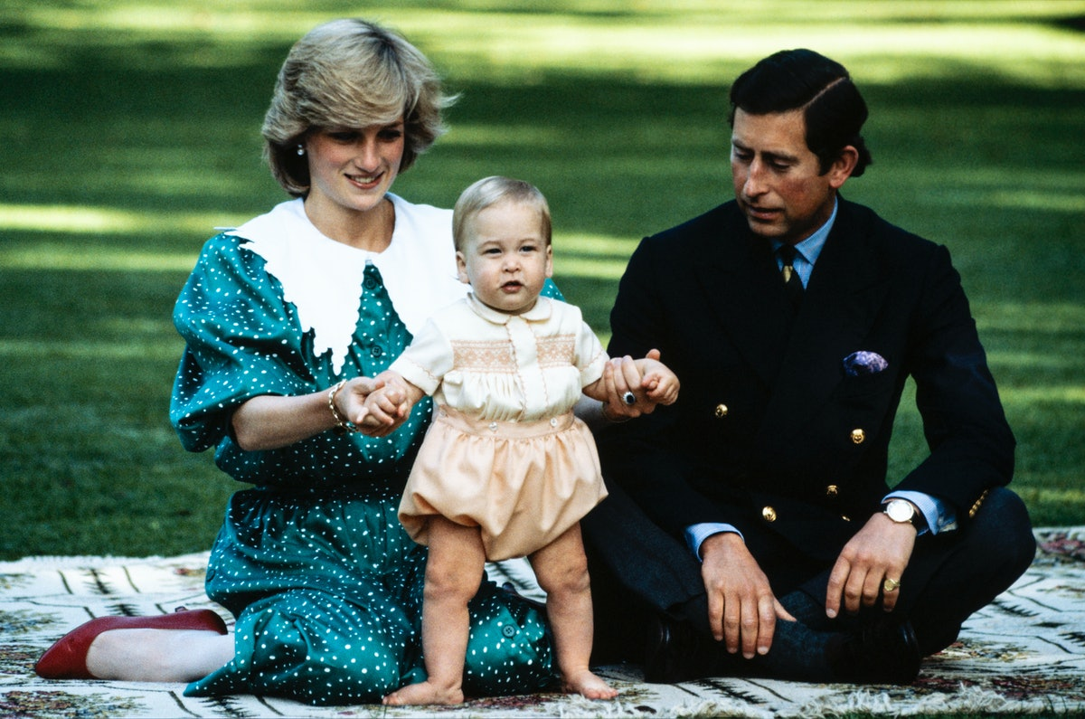 AUCKLAND - APRIL 23: Diana Princess of Wales with Prince Charles and Prince William posing for a photocall on the lawn of Government House in Auckland, New Zealand, on April 23, 1983 during the Royal Tour of New Zealand. (Photo by David Levenson/Getty Images)