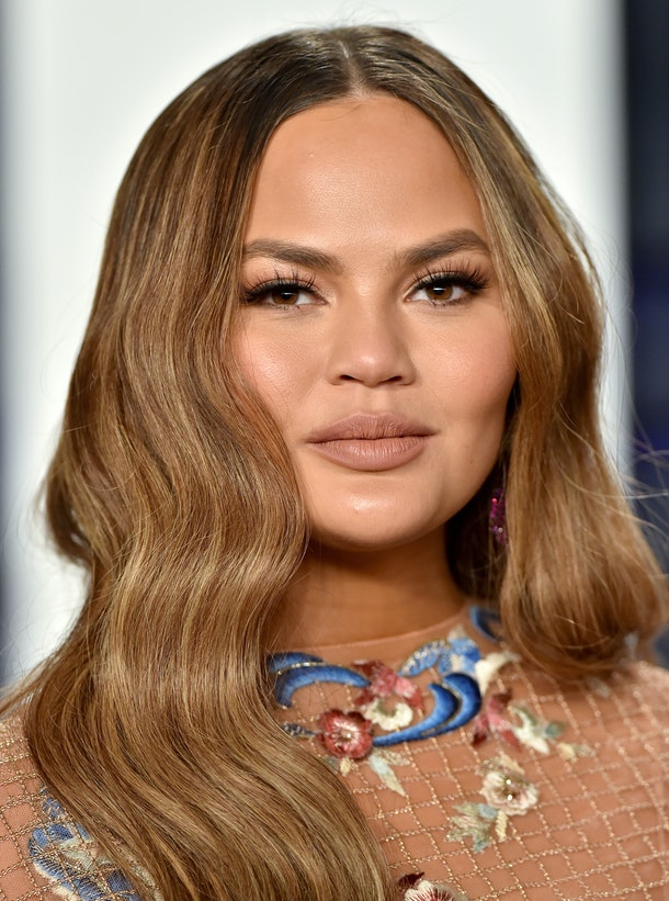 BEVERLY HILLS, CALIFORNIA - FEBRUARY 24: Chrissy Teigen attends the 2019 Vanity Fair Oscar Party Hosted By Radhika Jones at Wallis Annenberg Center for the Performing Arts on February 24, 2019 in Beverly Hills, California. (Photo by Axelle/Bauer-Griffin/FilmMagic)