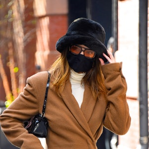 NEW YORK, NY - NOVEMBER 19:  Kendall Jenner seen out and about in Manhattan on  November 19, 2020 in New York City.  (Photo by Robert Kamau/GC Images)
