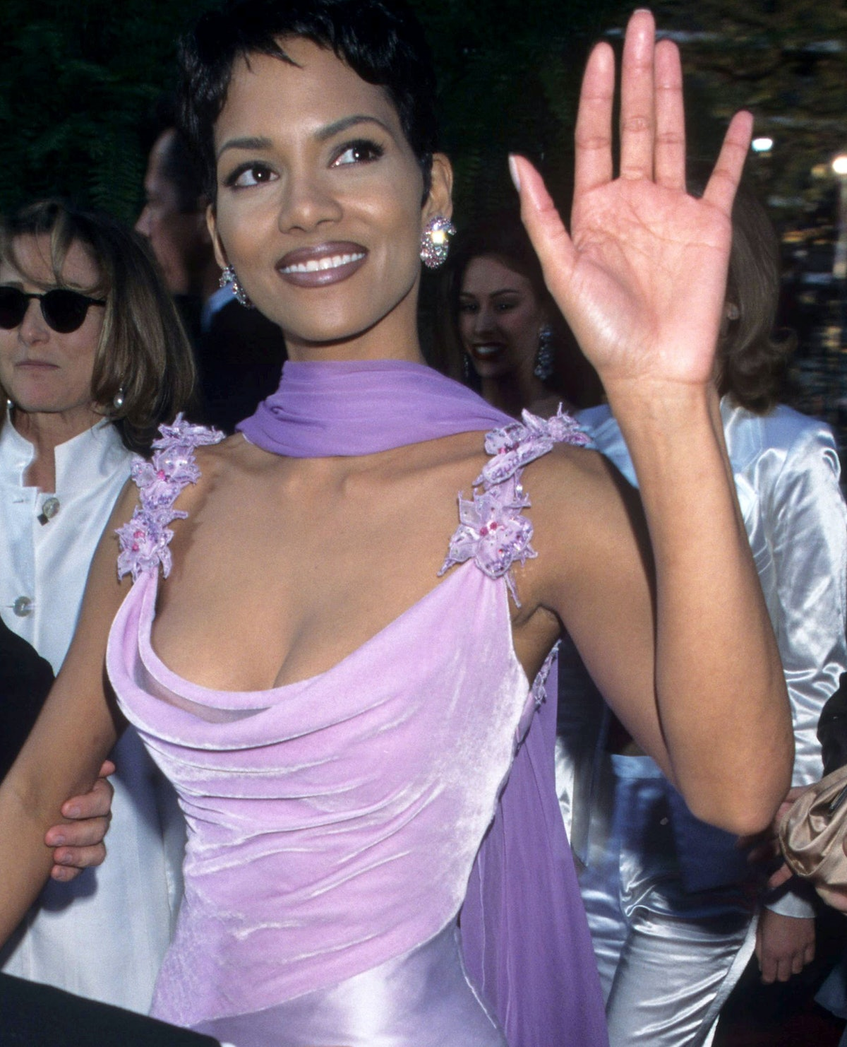 Halle Berry rocks her iconic pixie cut at the Oscars in 1996.