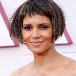 LOS ANGELES, CALIFORNIA – APRIL 25: Halle Berry arrives at the Oscars on Sunday, April 25, 2021, at Union Station in Los Angeles. (Photo by Chris Pizzello-Pool/Getty Images)