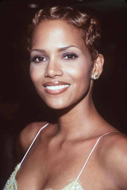 Brown lipstick was one of the biggest makeup trends of the '90s.