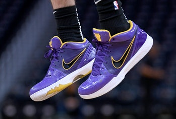 "SAN FRANCISCO, CALIFORNIA - FEBRUARY 08: A detailed view of the Nike ""Kobe"" basketball shoe worn by Alex Caruso #4 of the Los Angeles Lakers while warming up prior to the start of an NBA basketball game against the Golden State Warriors at Chase Center on February 08, 2020 in San Francisco, California. NOTE TO USER: User expressly acknowledges and agrees that, by downloading and or using this photograph, User is consenting to the terms and conditions of the Getty Images License Agreement. (Photo by Thearon W. Henderson/Getty Images)"