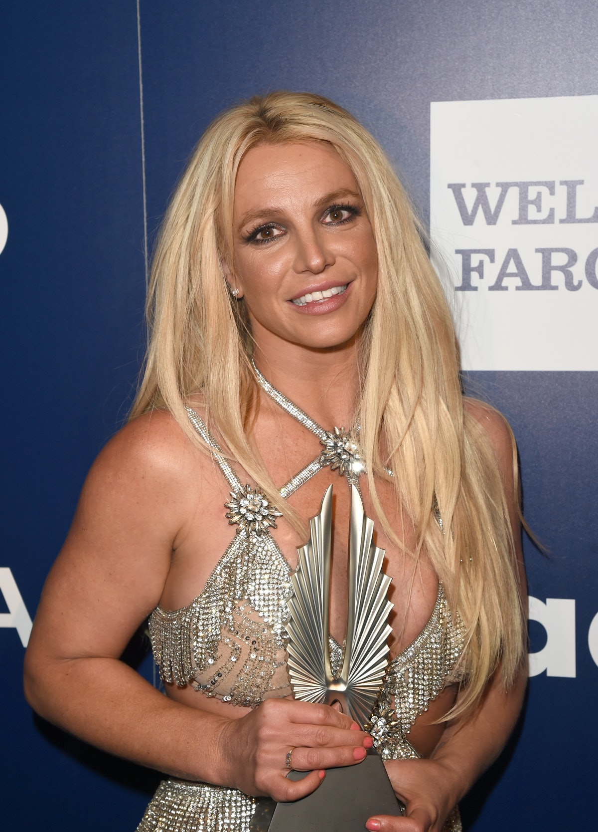 BEVERLY HILLS, CA - APRIL 12:  Vanguard Award recipient Britney Spears poses backstage at the 29th Annual GLAAD Media Awards at The Beverly Hilton Hotel on April 12, 2018 in Beverly Hills, California.  (Photo by J. Merritt/Getty Images for GLAAD)