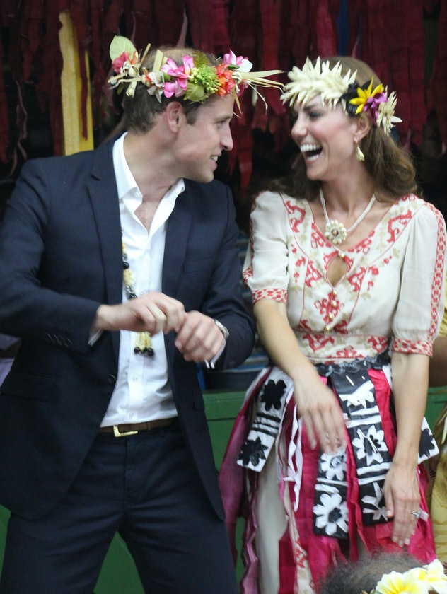 Prince William and Kate Middleton dance in Tuvalu.