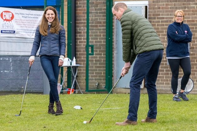 Prince William's golf stroke had Kate Middleton laughing.