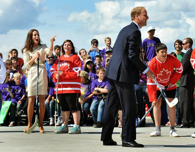 Prince William tries to play hockey in Canada.