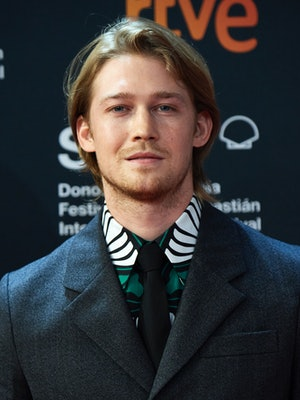 SAN SEBASTIAN, SPAIN - SEPTEMBER 18: Actor Joe Alwyn attends the 'Rifkin's Festival' Premiere during the 68th San Sebastian International Film Festival at the Kursaal Palace on September 18, 2020 in San Sebastian, Spain. (Photo by Carlos Alvarez/Getty Images)