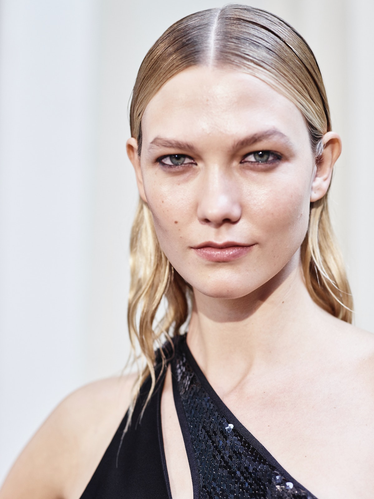 Supermodel Karlie Kloss poses prior the Mugler show as part of the Paris Fashion Week Womenswear  Sp...