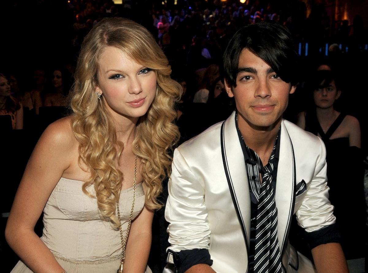 LOS ANGELES, CA - SEPTEMBER 07:  Singers Taylor Swift and Joe Jonas at the 2008 MTV Video Music Awar...