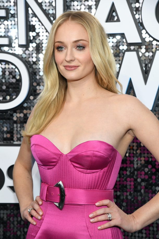 LOS ANGELES, CALIFORNIA - JANUARY 19: Sophie Turner attends the 26th Annual Screen ActorsGuild Awards at The Shrine Auditorium on January 19, 2020 in Los Angeles, California. 721336 (Photo by Kevin Mazur/Getty Images for Turner)
